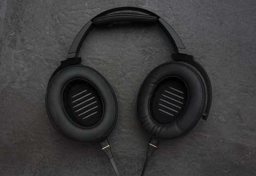 Well padded and circum-aural design make these headphones extremely comfortable over sustained periods of use.