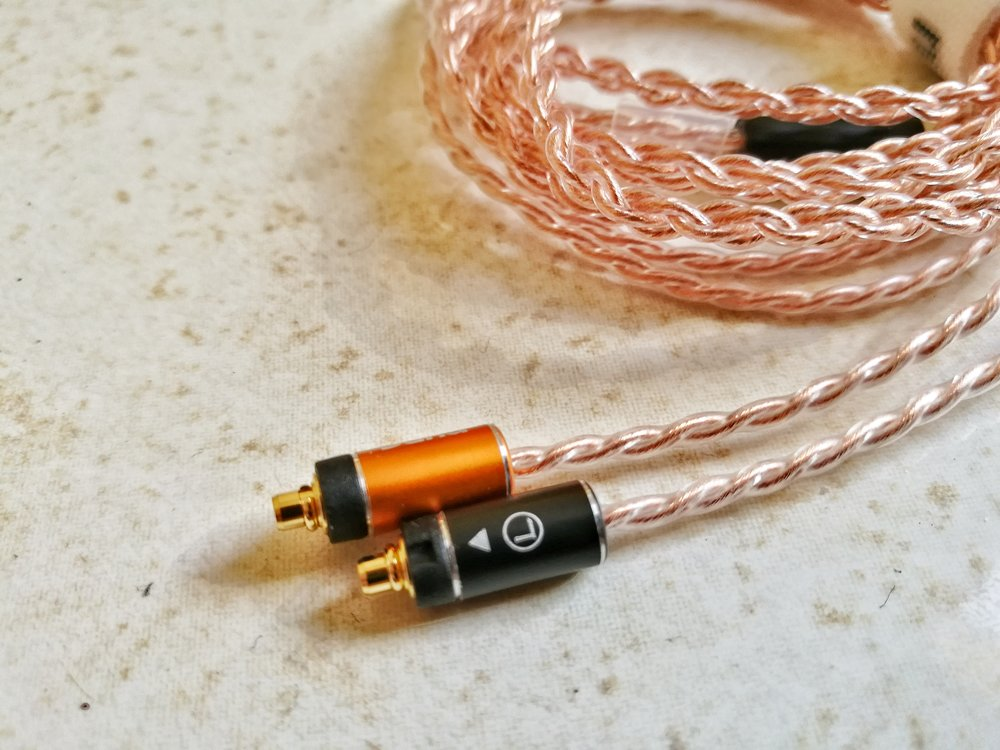 Dunu Aftermarket headphone cable.
