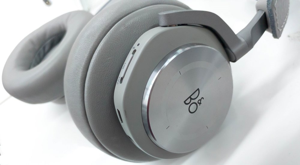 Touch controls on the Beoplay H7 wireless headphone ads some of the functionality from the more expensive models.