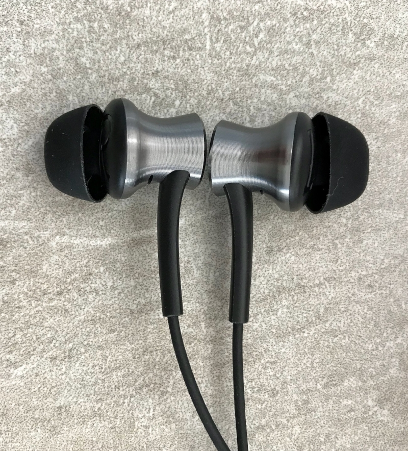 1More-Dual-earphone