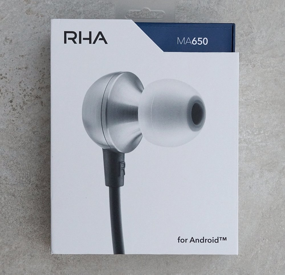 Box for the RHA MA650.