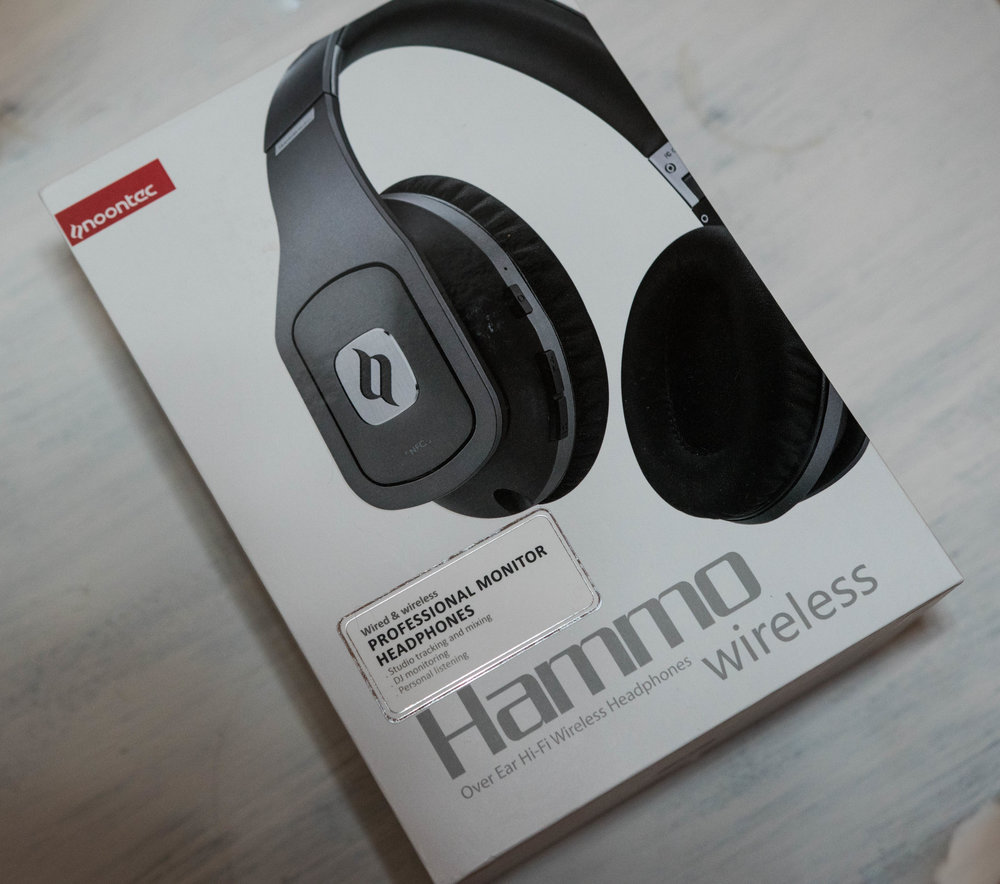Box for the new Noontec Hammo Wireless Headphones.