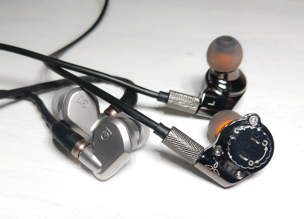 The IMR Acoustics R1 vs The Campfire Audio Vega - Earphone battle of the highest calibre.