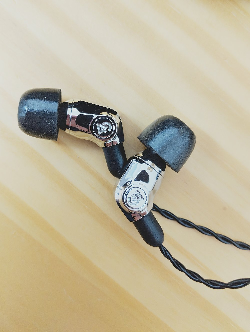 Campfire Audio Comet earphones reviewed with the included Comply Foam eartips.