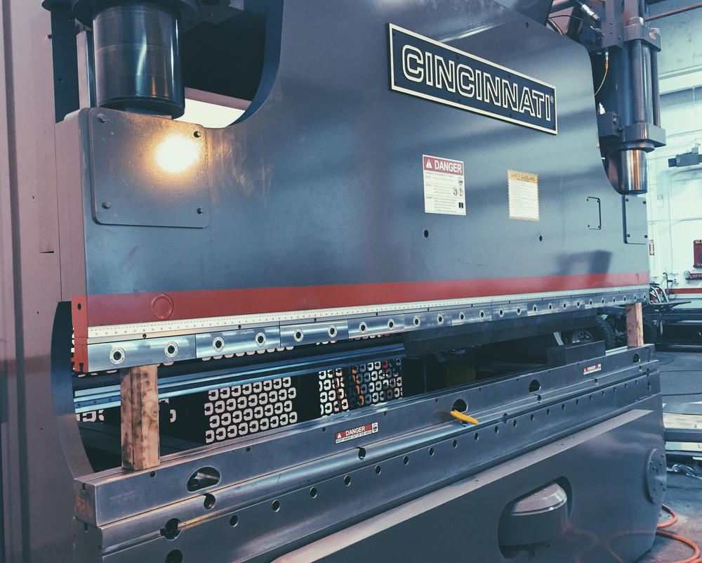 Cincinnati 230 Press Brake, 5-Axis CNC Controls