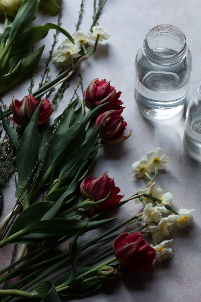 Jette Virdi, photographer plays with blooms, based in London and DUblin