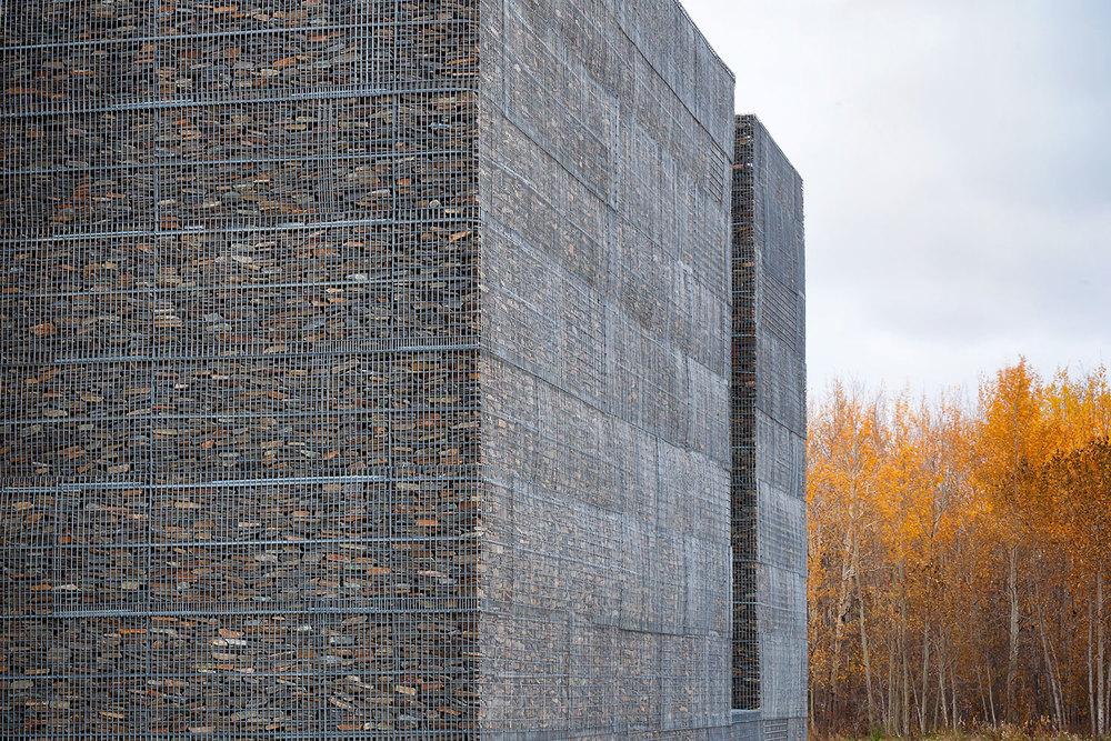 Vue des murs en gabion de pierre
