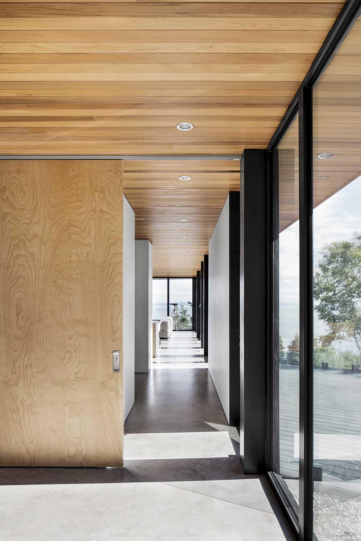 Photo : Adrien Williams. Source : Bourgeois Lechasseur architectes / v2com.