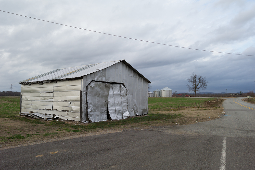 L1006638   us mf farm buildings near Lake Weiss AL.jpg