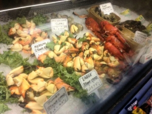 Stone-Crabs-local-seasonal-market-Sarasota-gulf-coast-seafood-local-captain-brians-bradenton-fresh-gourmet-water-front