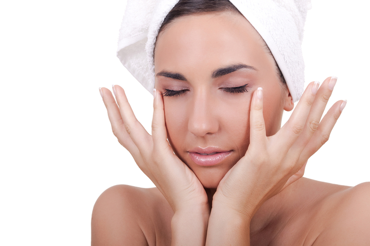 Do you love facials make the results last with these tips give yourself a facial massage solutioingenieria Gallery