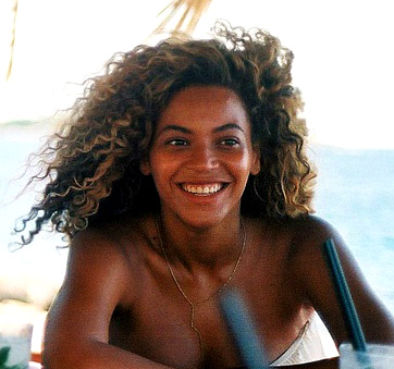 Cue Beyonce sans makeup, bare faced beauty. Image c/o minikittourbeauty.wordpress.com