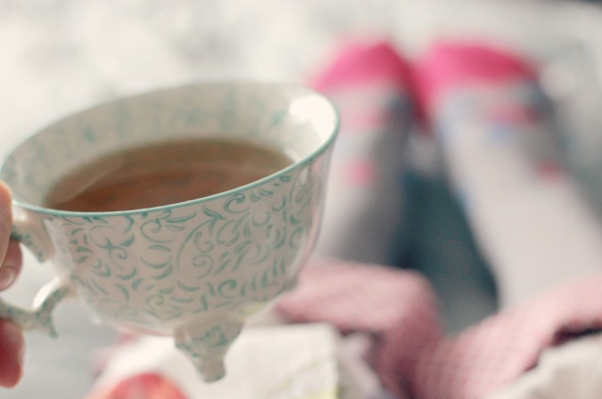 Have a cup of tea instead before you close those lids to relax and calm you. Image c/o pinkbow.com