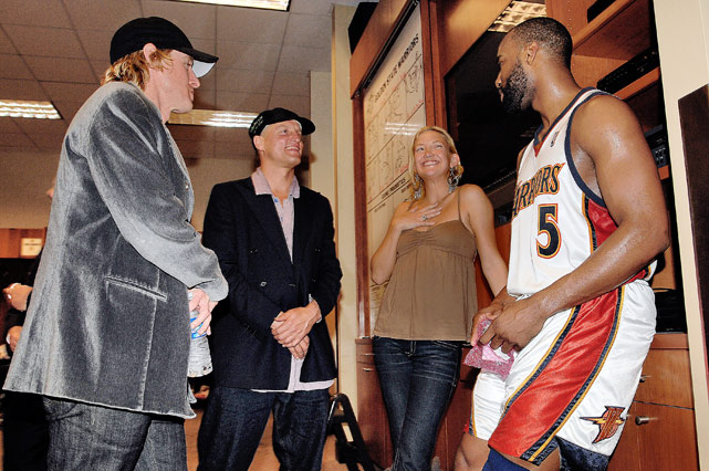 cant wait till b.diddy is slicing and dicing with the knickerbockers @samulionaire Baron Davis hanging out with movie stars Owen Wilson, Woody Harrelson, and Kate Hudson.