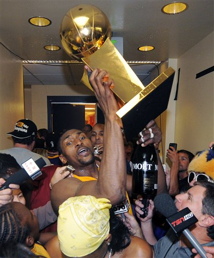 "ron artest- ""champions"" + a lil big boy lovin:    http://nahright.com/news/2010/06/19/ron-artest-champions/?utm_source=feedburner&utm_medium=feed&utm_campaign=Feed%3A+nah_right+%28Nah+Right%29&utm_content=Google+Reader"