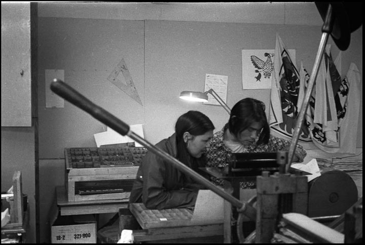 Annie Pootoogook and Tukiki Manumee have a type drawer at the #14 press. photo: Wil Hudson collection of Sean Johnston