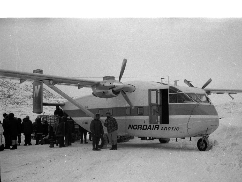 1972-11 Cape Dorset 28.jpg