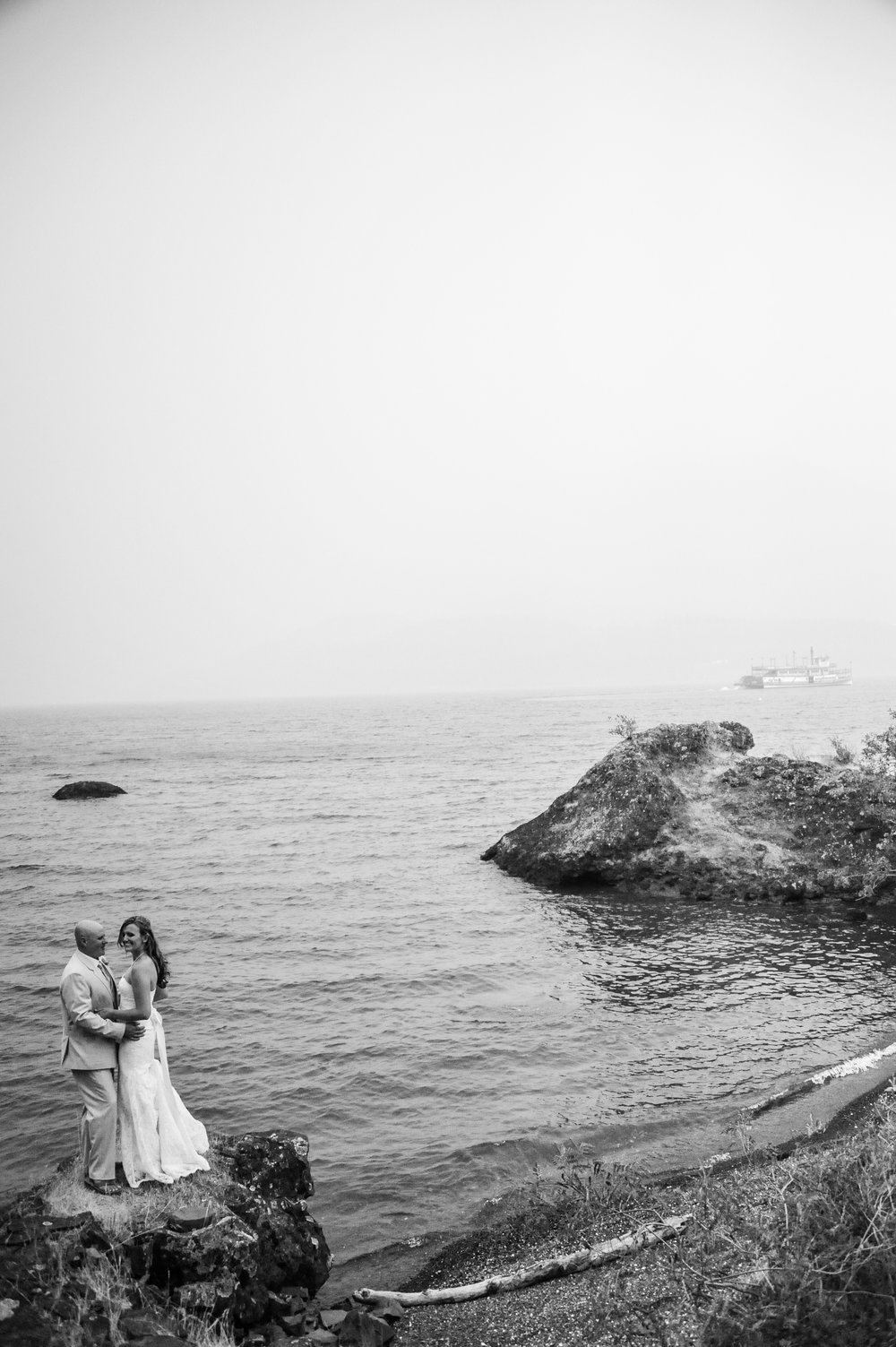 Jessica & Chris  | Stevenson, Washington   Skamania Coves