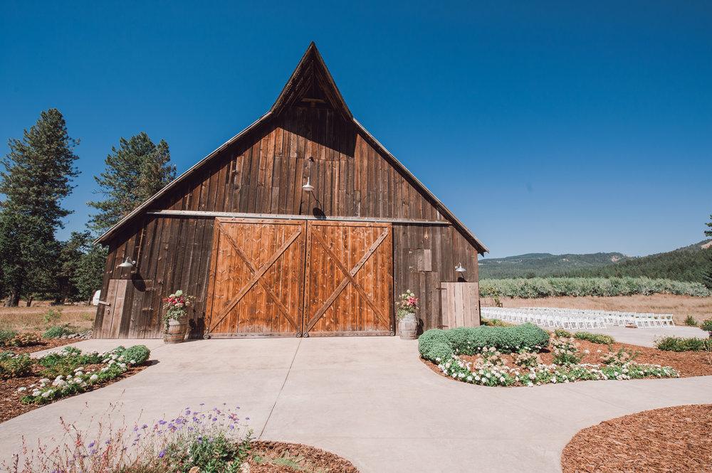 Tin Roof Barn Wedding -041.jpg