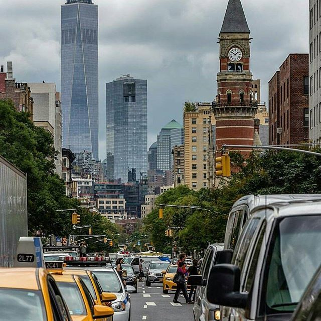 It's THAT kind of day here in #nyc. Anyone else feeling ready for a nap?! #freedomtower #officiallyfall #manhattan #bundleup #drearyweather #wheresmycoffeeat #theviewsnotbad