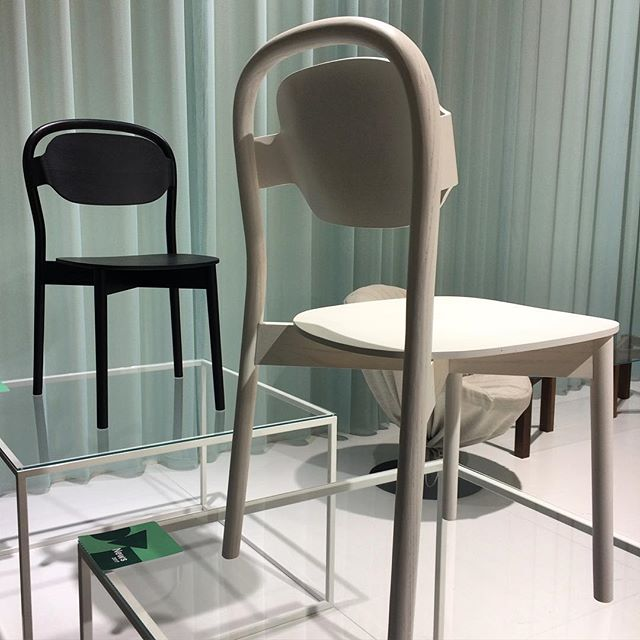 New café chairs Sayhello by Björn Dahlström for Articles, a new Swedish brand exhibiting here for just the second time. @articles.world @trendgruppenpr #björndahlström #sff2017 #trendgruppenpr