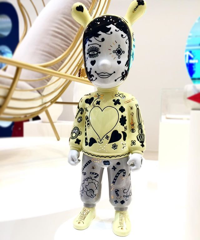 Last Jaime Hayon for a bit, but who can resist this little visitor? The Guest for Lladró. @jaimehayon @lladro @sthlmfurnfair #jaimehayon #sff2017 #porcelainwithattitude