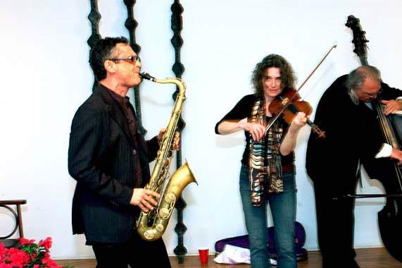 Ivo Perelman, Rosie Hertlein, Dominic Duval