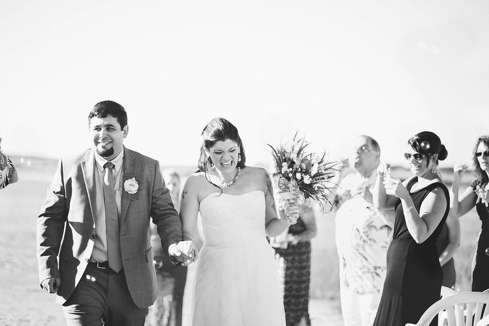 Laura + Matt Featured DIY Wedding // The Overwhelmed Bride Bridal Lifestyle + Wedding Blog // Wedding Ceremony
