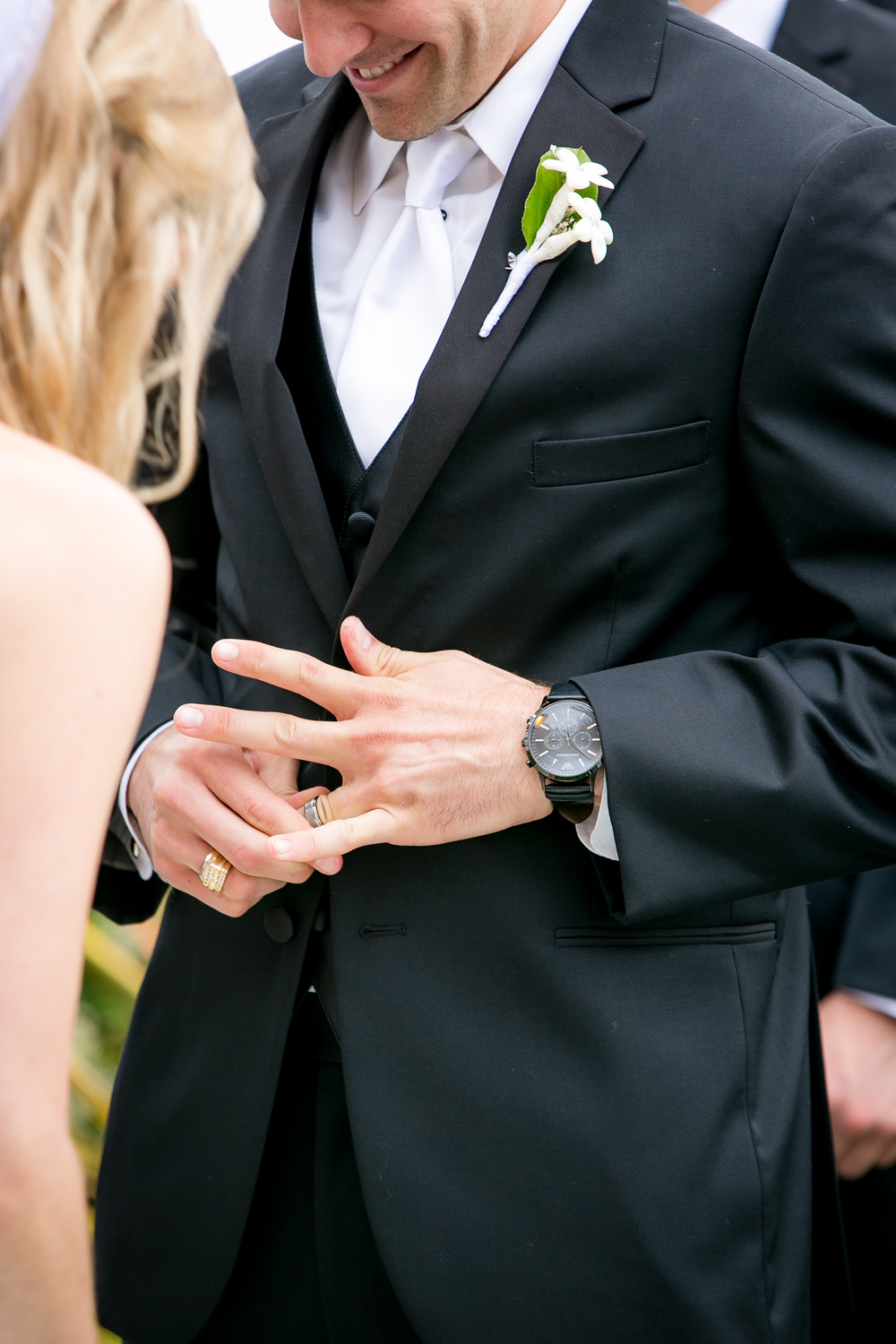 How to wear your wedding band and engagement ring
