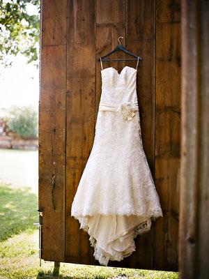 Rustic Wedding Inspiration — The Overwhelmed Bride // Wedding Blog + ...