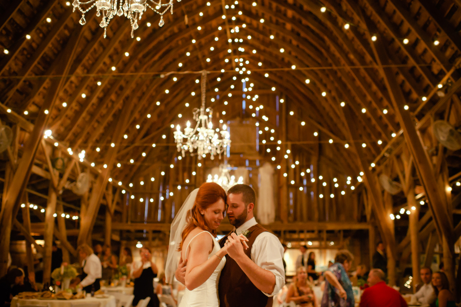 as a country girl you know you will always have your heart set at rustic barn weddings and why not
