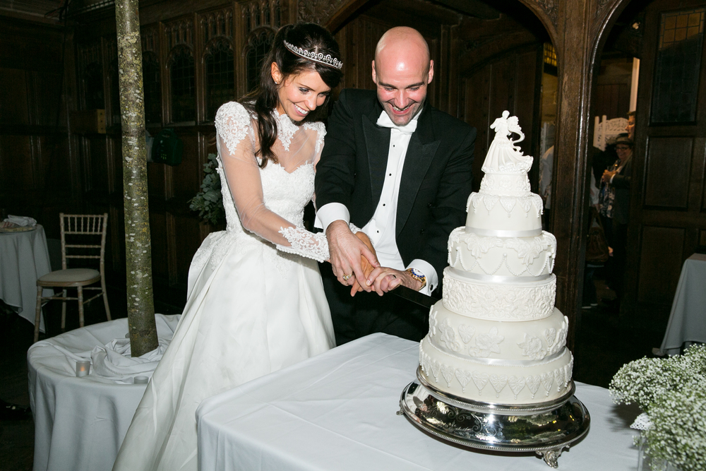 cake cutting photos