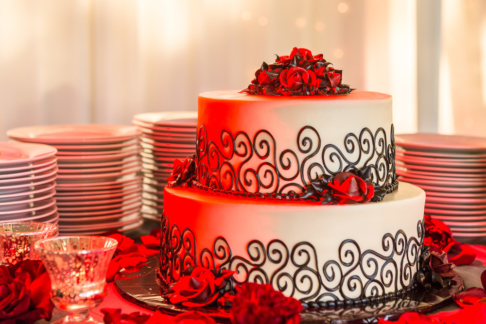 wedding cake ideas - black white and red