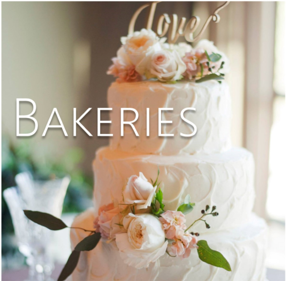 wedding cakes // the overwhelmed bride wedding blog