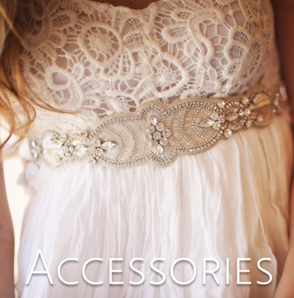 bridal accessories // the overwhelmed bride wedding blog