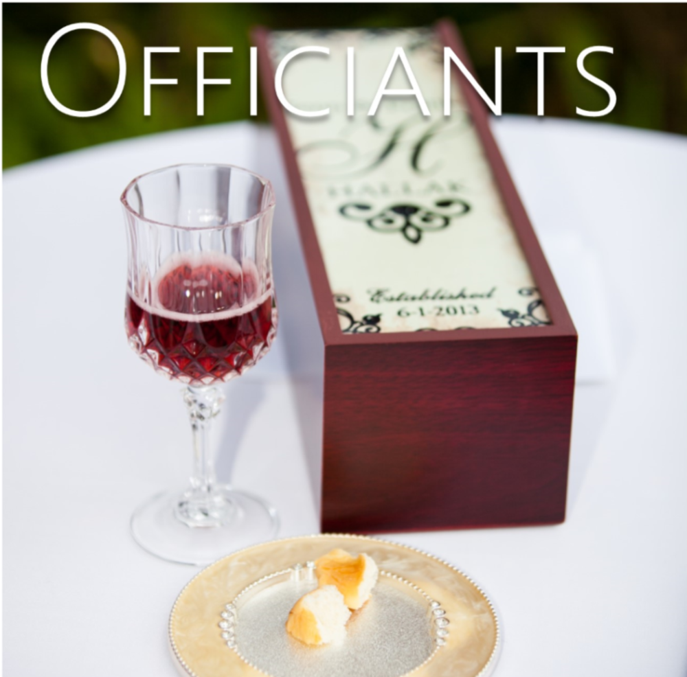 wedding ceremonies and wedding officiants // the overwhelmed bride wedding blog