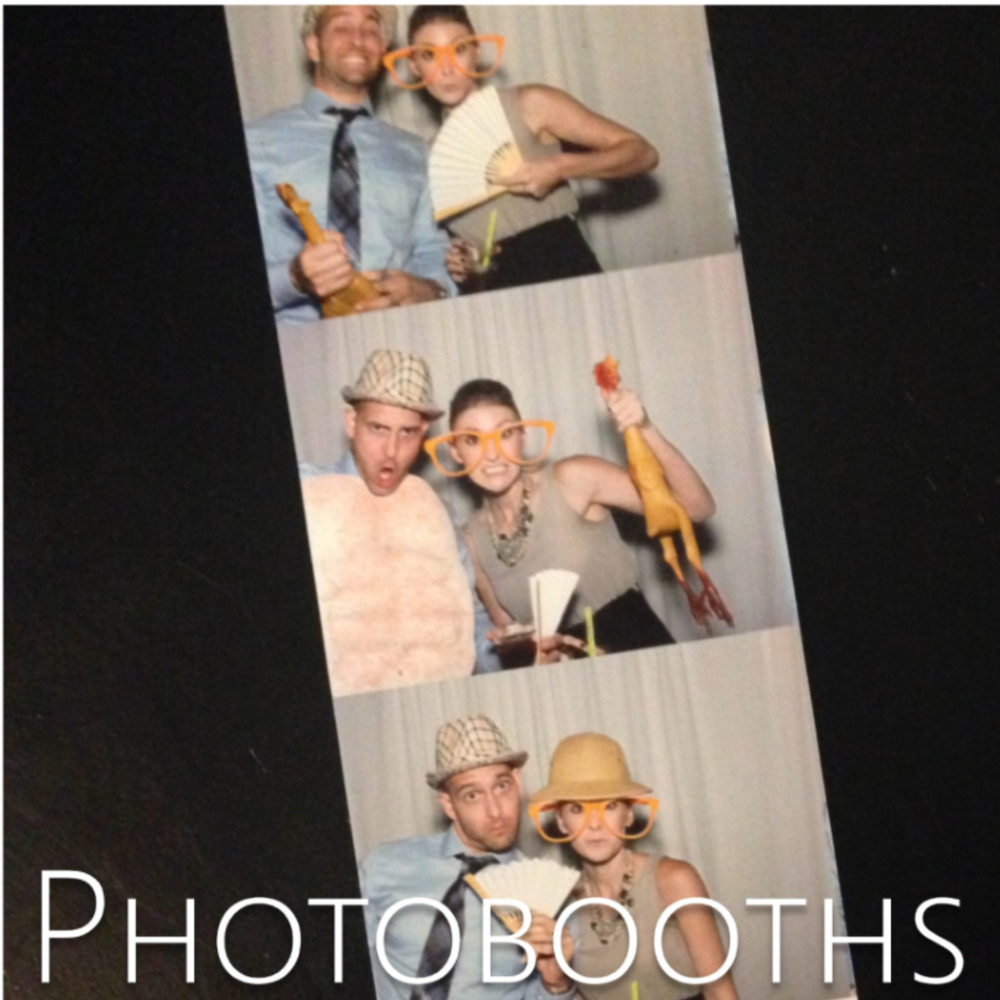 wedding photobooth rentals // the overwhelmed bride wedding blog