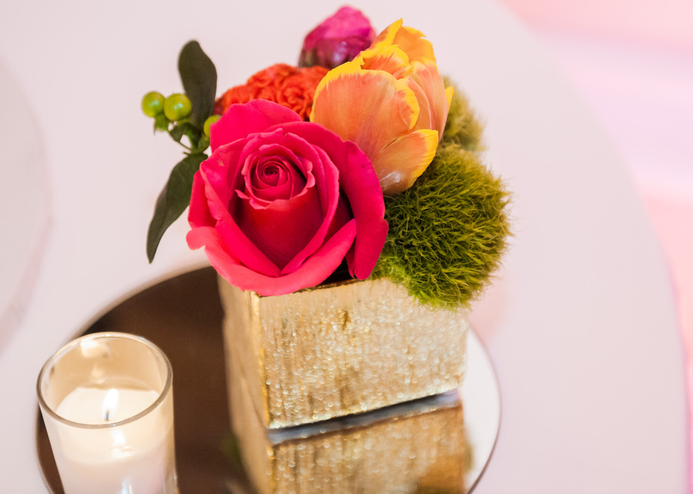 vibrant colorful wedding centerpieces