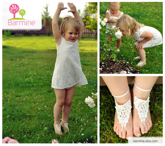 Flower girl barefoot sandal-Crochet Toddler Barefoot Sandals-Girl Foot accessory-Photo prop-Beach Anklet-Lace Sandals-Your choice of color