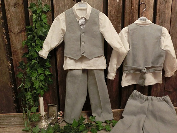 Grey boys linen suit. Grey ring bearer outfit, boys suit. Toddler boy formal wear. Linen pants and vest, cotton shirt. Boys wedding attire
