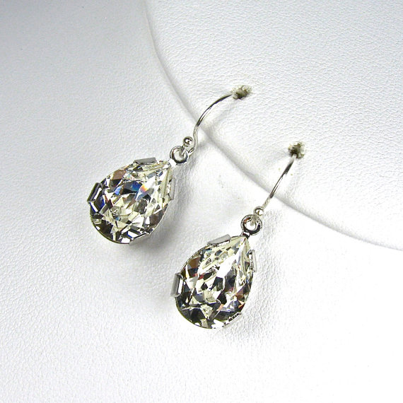 teardrop diamond earrings // winter wedding guest attire