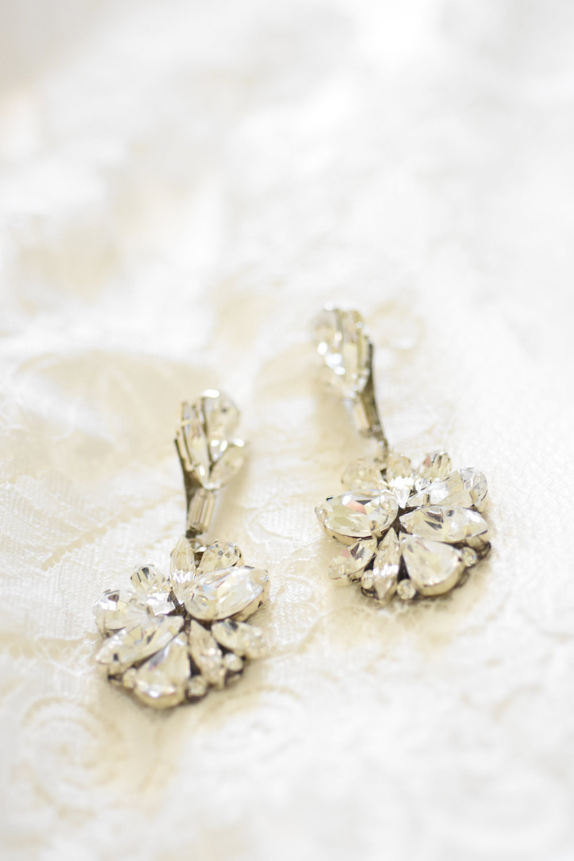 bridal earrings // // macy marie photography wedding