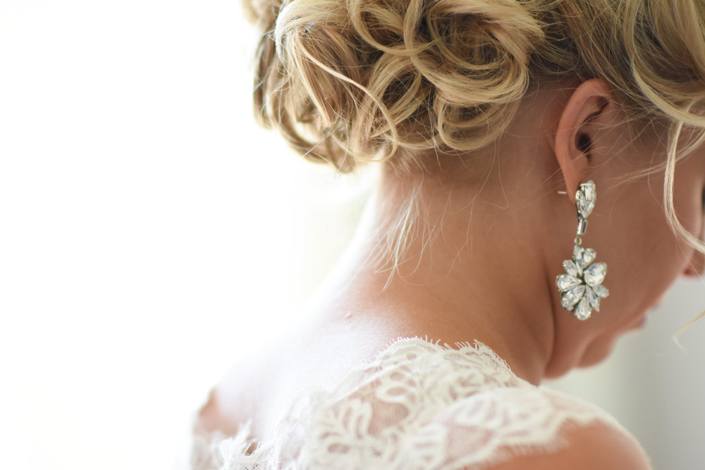 long bling bridal earrings // macy marie photography wedding