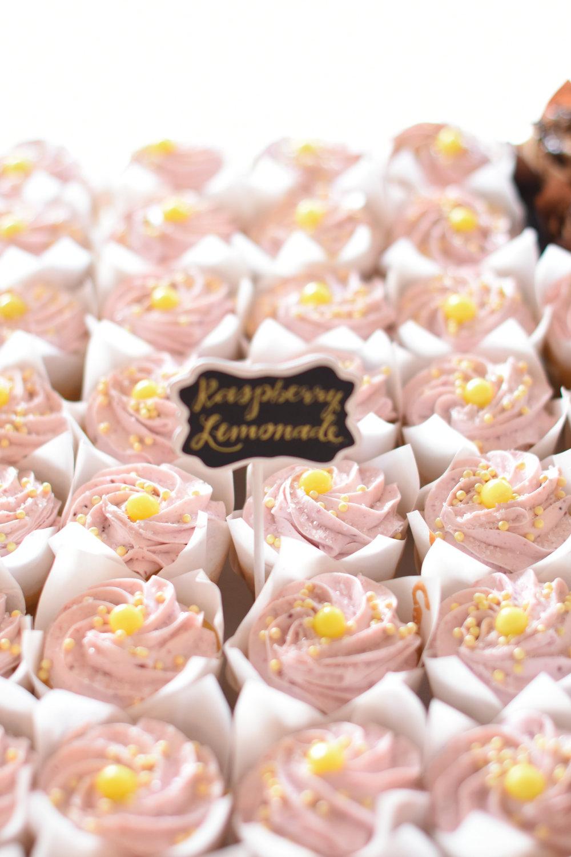 wedding dessert buffet // macy marie photography wedding