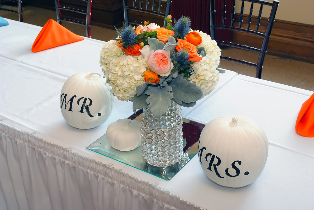 guthrie oklahoma wedding venue - dominion house - orange and blue wedding centerpieces
