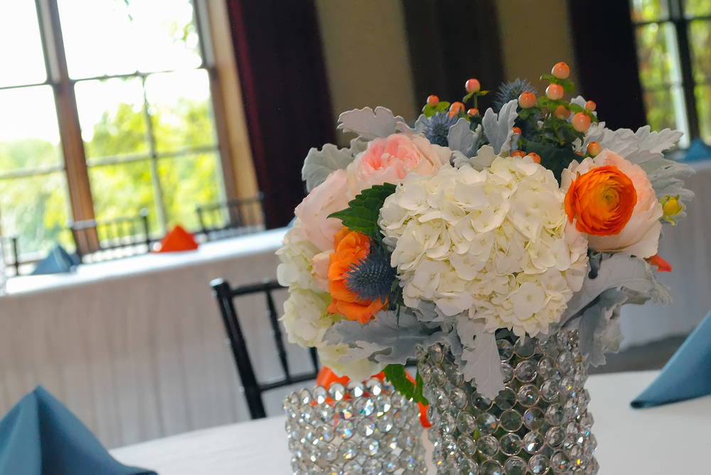 guthrie oklahoma wedding venue - dominion house - blue and orange wedding centerpiece