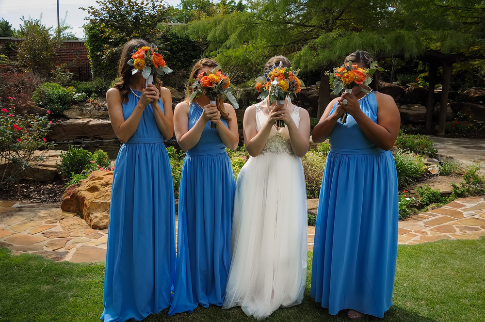 guthrie oklahoma wedding venue - dominion house - cute bridesmaid photos
