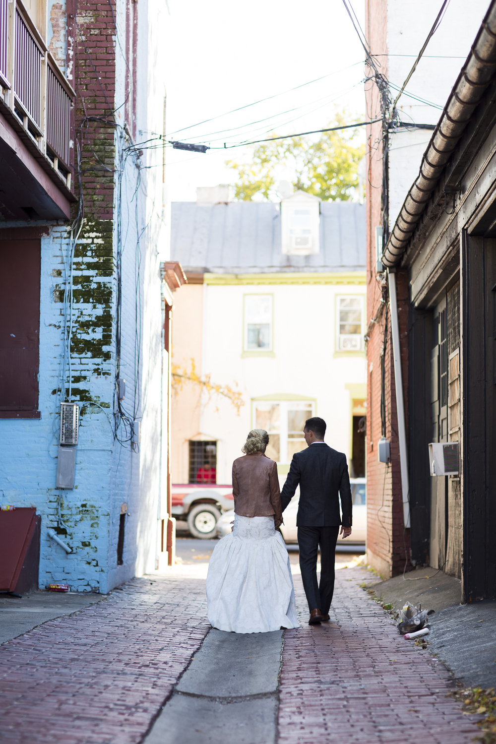 An Industrial Pennsylvania Art Gallery Wedding at Goggleworks