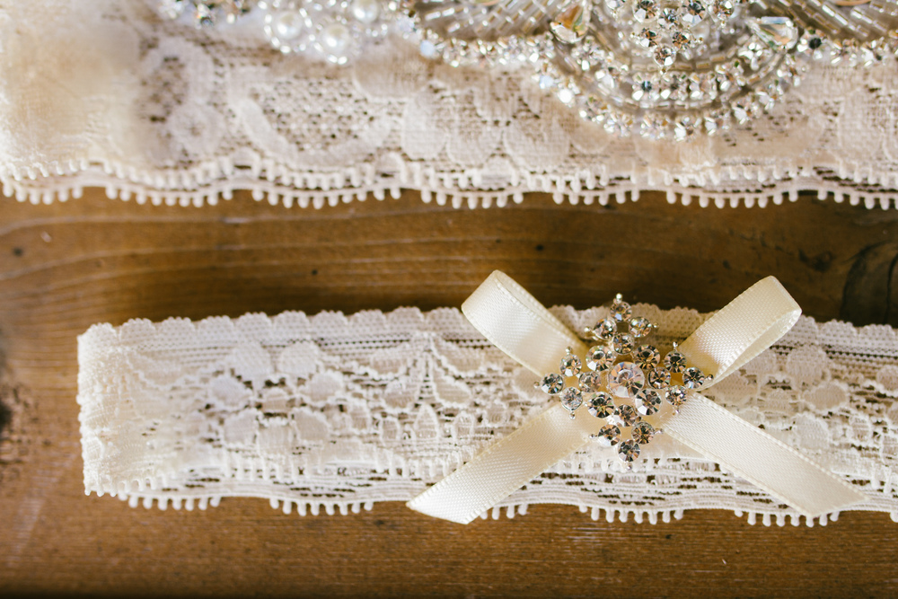 rustic lace garter - rustic intimate oklahoma wedding at Darlington Chapel