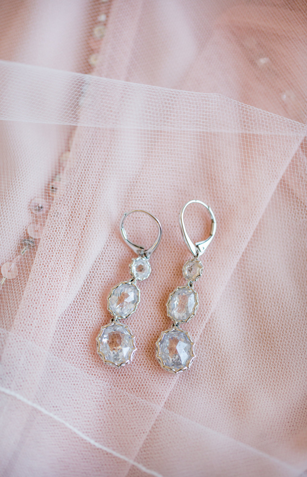 3 tiered bridal earrings - - A Diamond Hotel Penthouse Wedding by Katelyn Owens Photography